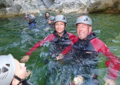 Premier passage aquatique dans le canyon famille des gorges de galamus.