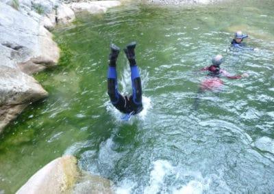 Saut par tête, avec une profondeur suffisante dans GALAMUS, c'est comme à la piscine.