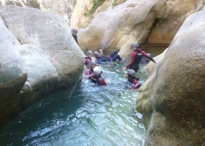 Passage sympa dans les gorges de Galamus. Adhérence et glissade dans l'eau
