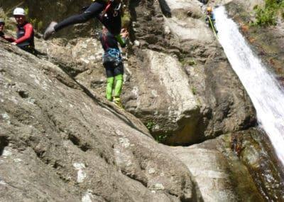 saut de 8 mètres dans le vide