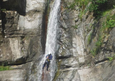Dernier rappel de 15m au Canyon des Anelles. CERET